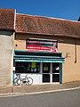 Saint-Amand-en-Puisaye-FR-89-épicerie place-a2.jpg