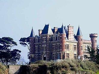 Saint-Briac-sur-Mer - Image: Saint briac chateau du nessay