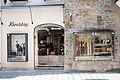 Salzburg - Altstadt - Getreidegasse 22 Kirchtag - 2019 07 26 - Laden a.jpg