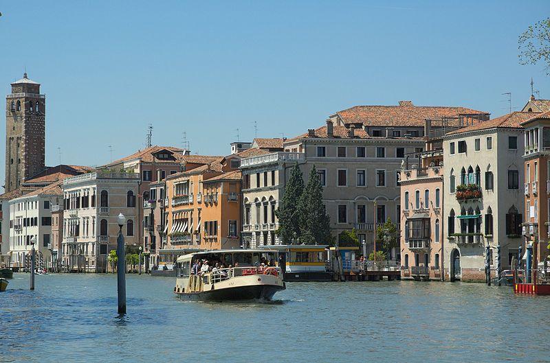 File:San-Marcuola-Venice-20050525-027.jpg