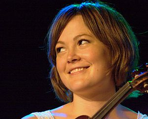 Sara Watkins - Sara Watkins in 2009 at the ArtsCenter in Carrboro, North Carolina