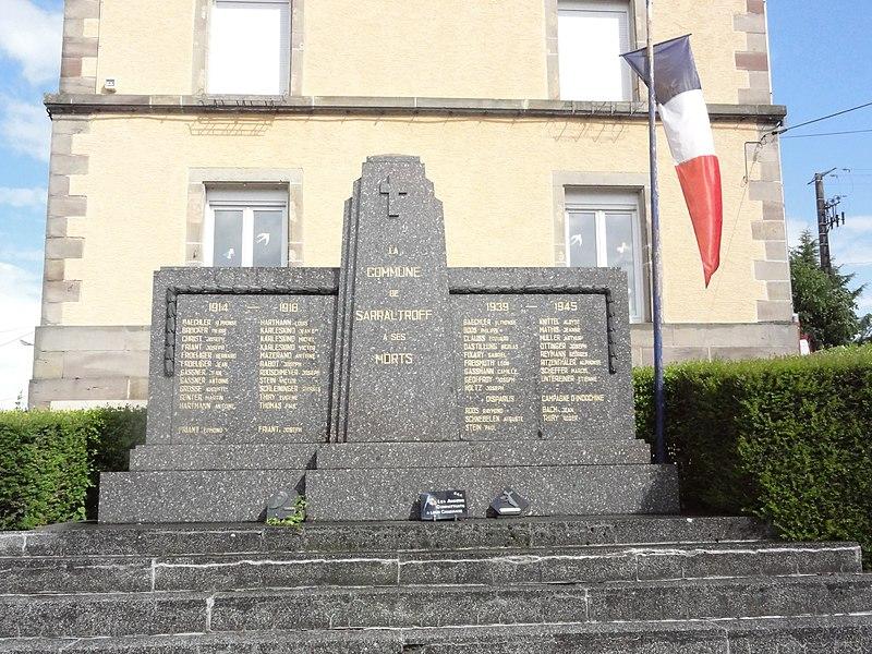 Sarraltroff (Moselle) monument aux morts