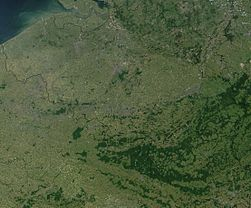 Satellite image of Belgium in July 2001.jpg