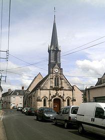 Savigné-sur-Lathan église.jpg