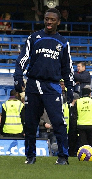 Shaun Wright-Phillips - Wright-Phillips warming up for Chelsea in 2008
