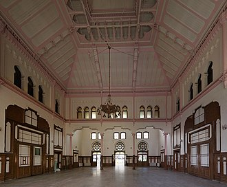 Sirkeci railway station - An interior view of the Sirkeci terminal.