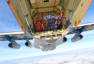 Parachuting - Parachutists jumping from an Ilyushin Il-76 of the Ukraine Air Force (2014)