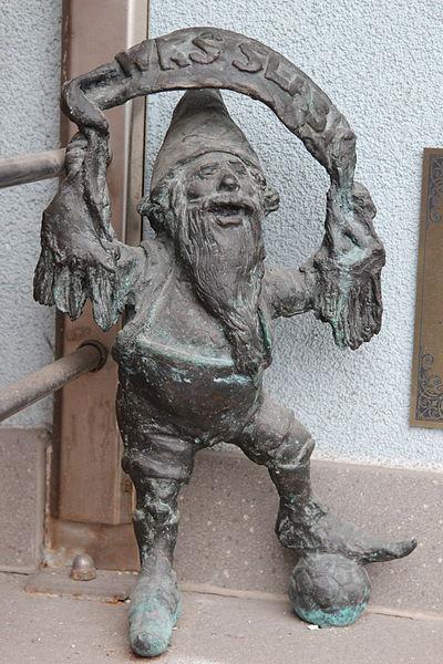 File:Slazak (Silesian) Wroclaw dwarf 01.JPG