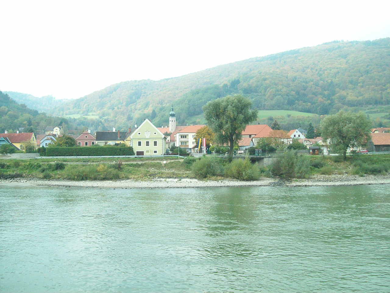 File Small Town On The Danube Jpg Wikimedia Commons