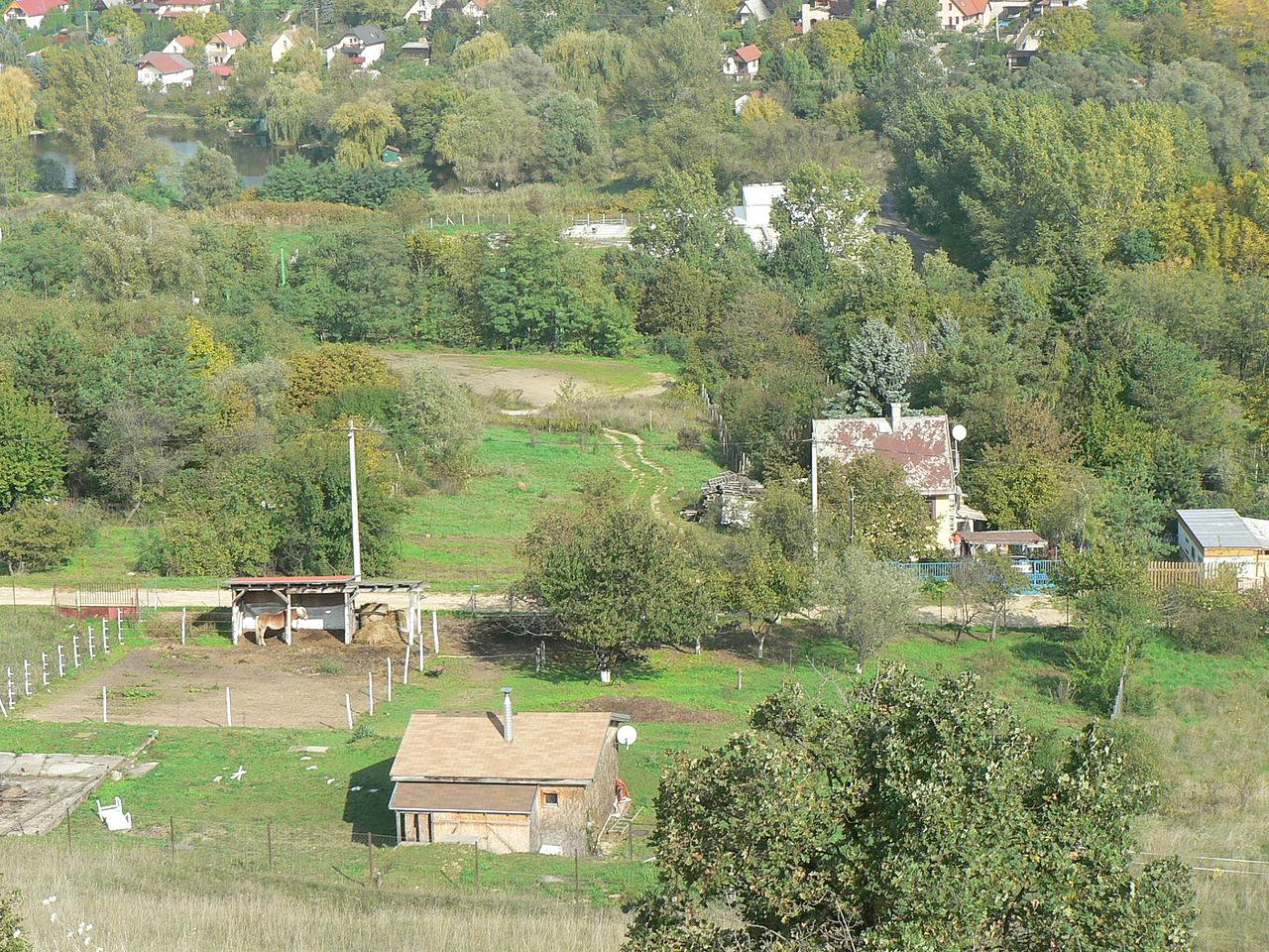 Fájl:Solymár I. táró körülbelüli helye, ma lovarda (2015 ...