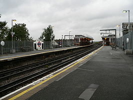 South Harrow station 2005-10-24 01.jpg