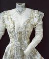 Spetsklännings från 1906 - Livrustkammaren - 21690.tif