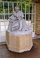 Statue-lycée-Molière-(Paris).jpg