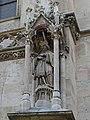 Statue Johannes Nepomuks am Nordturm der Votivkirche.jpg