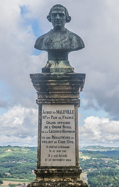 File:Statue of Jacques de Maleville in Domme 02.jpg