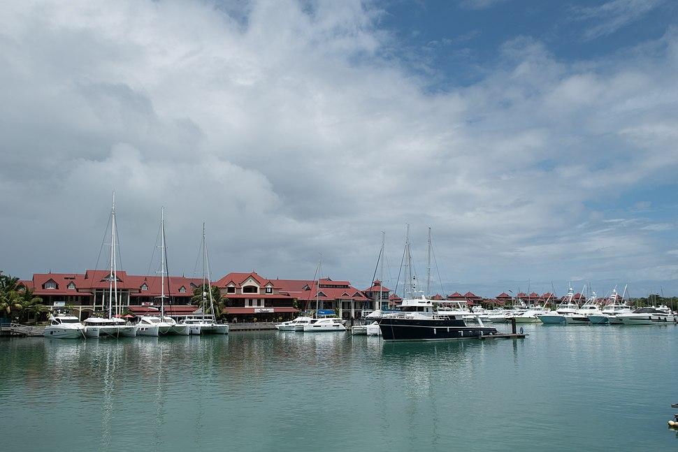 Steuerparadies Eden island Mahe (27842327419)