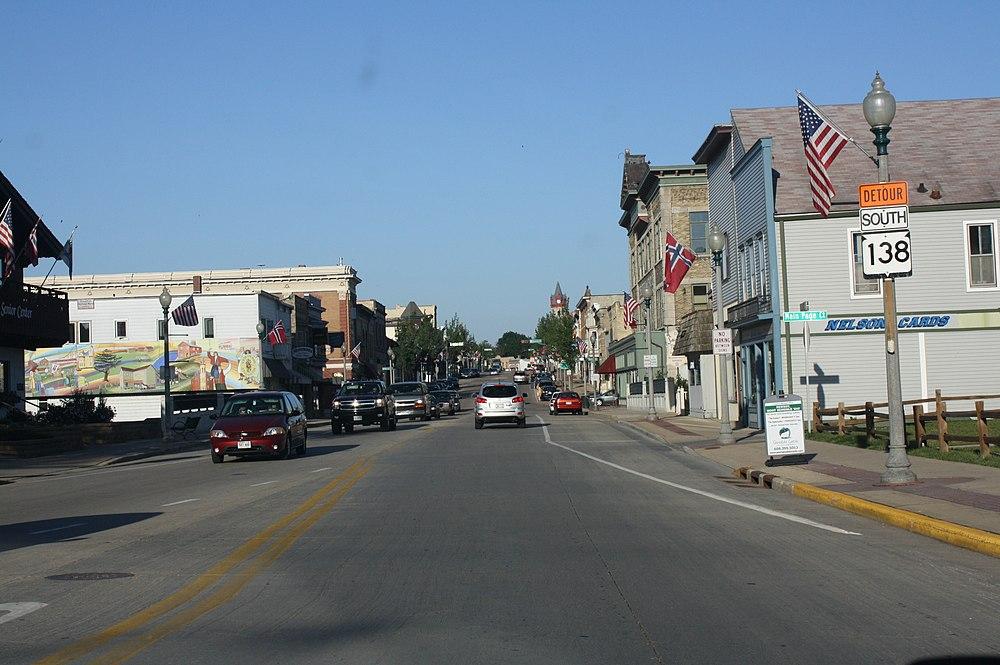 The population density of Stoughton in Wisconsin is 804.27 people per square kilometer (2084.46 / sq mi)