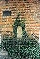 Stralsund, Gedenkstein Schillsche Husaren (2005-07-xx).jpg