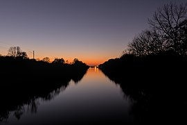 Sunset over Canal d'Aire in Givenchy-lès-la-Bassée (DSCF2693).jpg