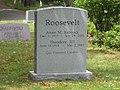 T roosevelt III grave.JPG