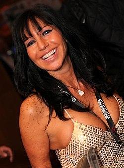 Tara Holiday - 2013 AVN Awards (8397858658).jpg