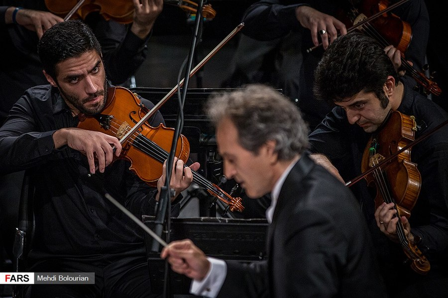 Tehran Symphony Orchestra Performs at Vahdat Hall 4 (2018-11-14).jpg