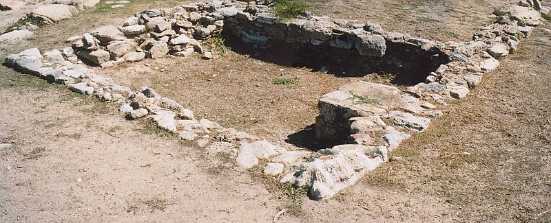 File:Temple at Eraclea Minoa.jpg
