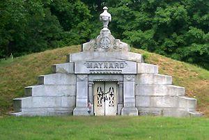 Amory Maynard - Image: The Maynard Crypt in Glenwood Cemetery Maynard Mass