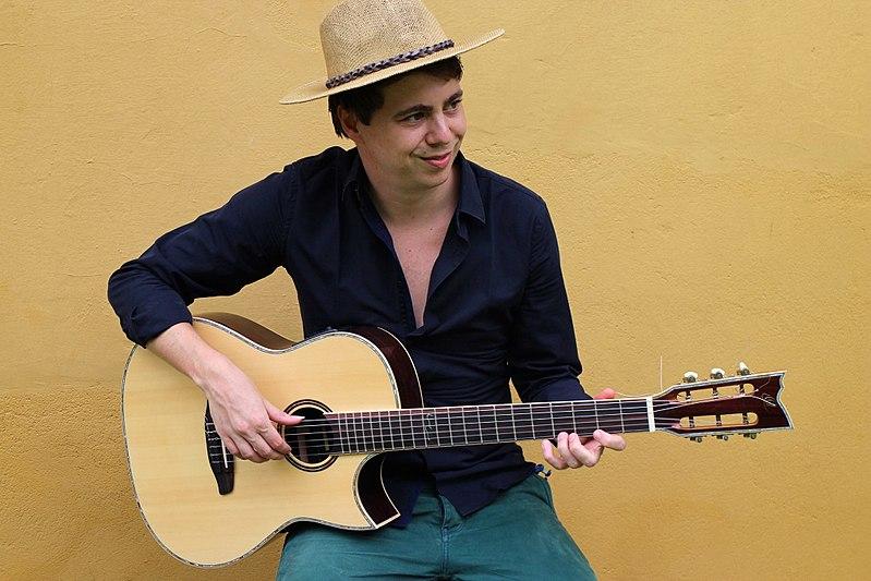 File:Thomas Zwijsen guitarist.jpg