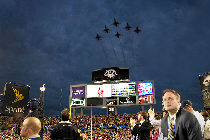 File:Thunderbirds flyover at Super Bowl 43.jpg