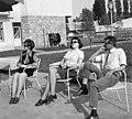 Tihany 1970, Kenderföld utca 37., két nő és egy férfi. Fortepan 97811.jpg