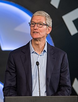 Tim Cook (2017, cropped).jpg