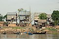 Tonle Sap stilt houses.JPG