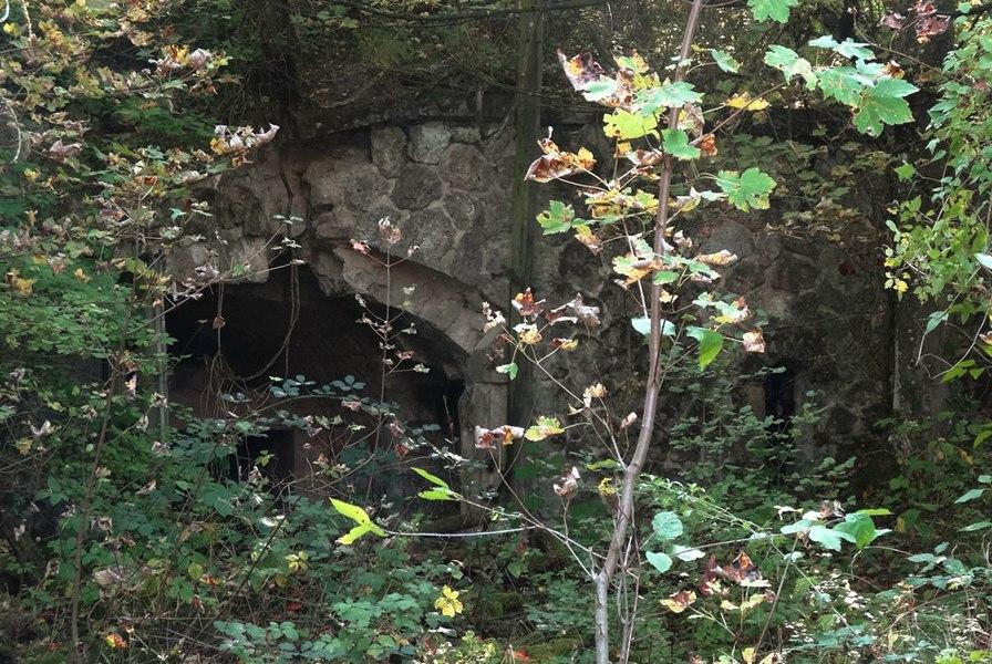 Entrée de la traverse-abri n°2 du réduit de Chenay.