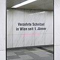 U1 Karlsplatz Kunst Factoid 04 Schnitzel.jpg