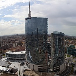 Unicredit Tower 2014.jpg