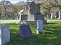 Union Graves and Chicago Light Artillery Memorial -- Rosehill Cemetery Chicago (IL) April 2012 (7146364735).jpg