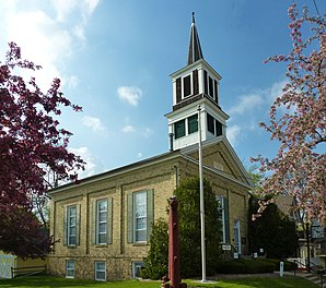 Universalist Church, Stoughton, Wisconsin.jpg