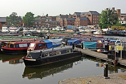 Upper Basin, Stourport on Severn - geograph.org.uk - 418762.jpg