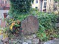 Upplands runinskrifter Fv1972;271, Klosterparken.JPG