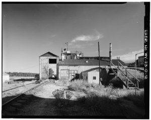VIEW OF REFINING MILL, LOOKING SOUTH-SOUTHEAST - Clay Spur Bentonite Plant and Camp, Refining Mill, Clay Spur Siding on Burlington Northern Railroad, Osage, Weston County, WY HAER WYO,23-OSAG.V,1-O-12.tif