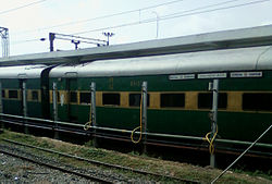 VSKP-SC Garibrath Express at Secunderabad 02.jpg