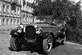 Valokuvaaja Constantin Grünberg kuljettajana vuosimallin 1928 Chryslerissä - G29122 - hkm.HKMS000005-km0000my4m.jpg