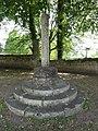 Vauxbuin (Aisne) stèle (socle), place Marcel Mallet.JPG