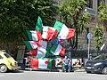 Venditore di bandiere - panoramio.jpg