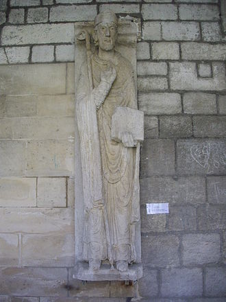 Saintin de Meaux - Statue of saint Santin in Cloister of Our Lady cathedral of Verdun (Meuse, France)