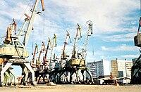 Verladekräne im Hafen von Dudinka.jpg