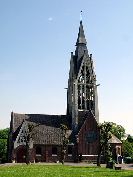 Fichier:Vermand église 1.jpg