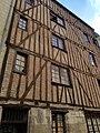 Vieux tours, 24 rue du Petit Soleil, maison 16èm siècle.jpg