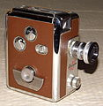 Vintage Revere 8mm Movie Camera, Model 40, Magazine Load, Made In USA, A Compact And Well-Built Camera, Circa 1951 (13292427993).jpg